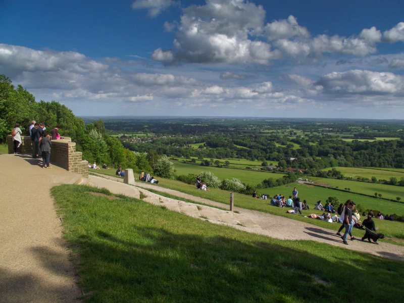 Box-hill-view-point-on-a-sunny-day