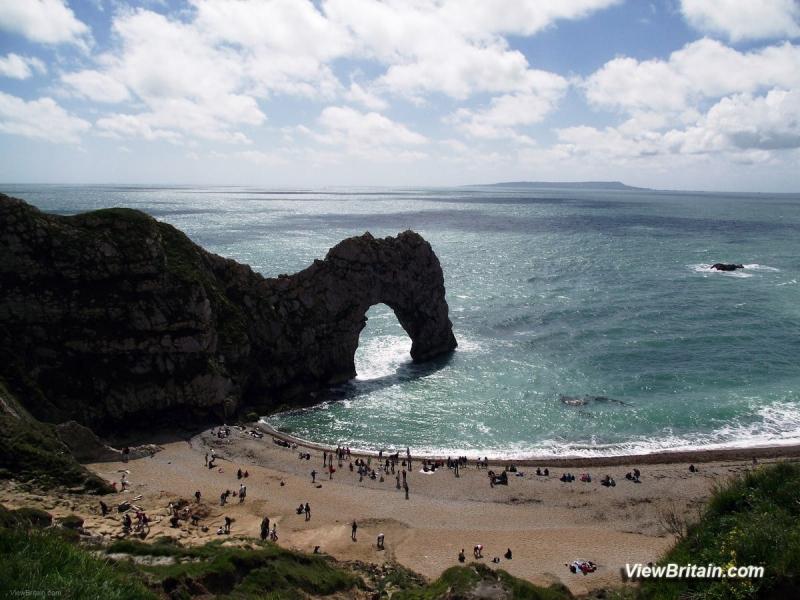 Durdle-Door-Limestone-Arch-Dorset-England-min