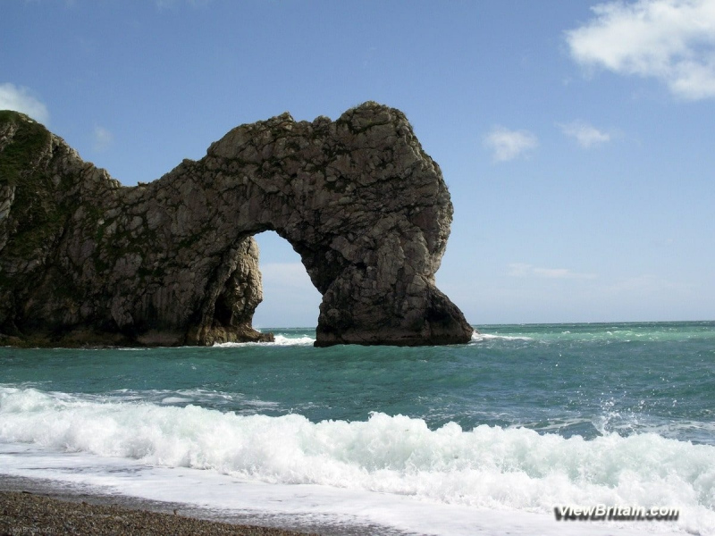 Durdle-Door-Limestone-Arch-Lulworth-Dorset-England-min