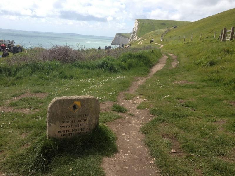 coastal-path-near-durdle-door-beach-min