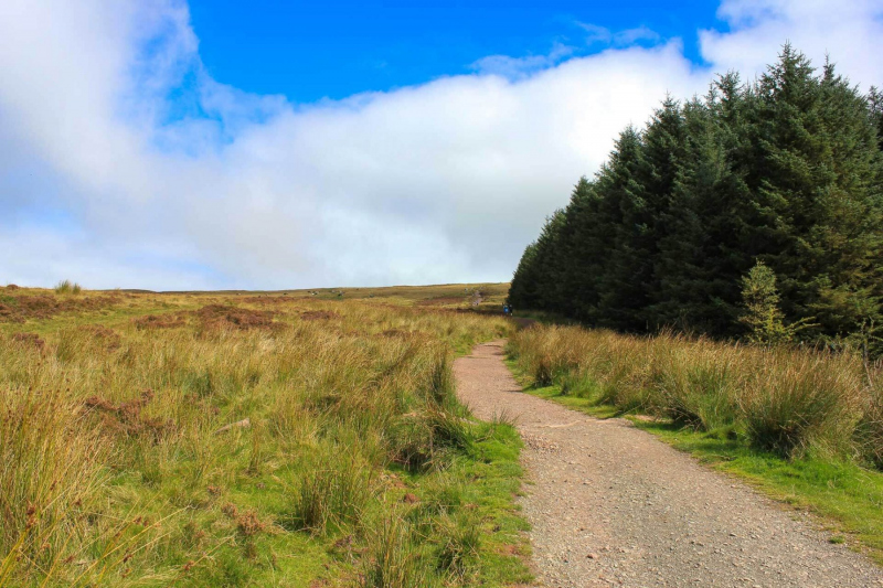 01-hiking-route-from-storey-arms-outdoor-centre-to-corn-du-pen-y-fan