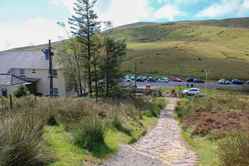 03-storey-arms-outdoor-centre-brecon-beacons-near-pen-y-fan
