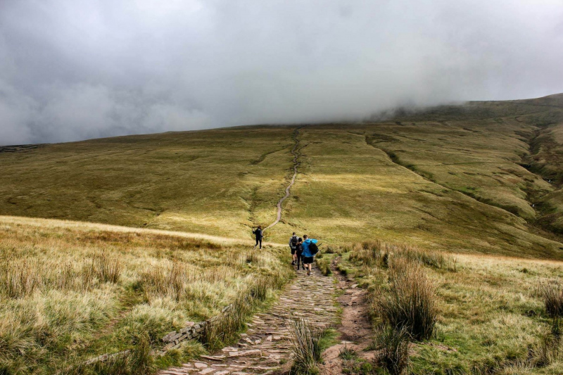 dramatic-clouds-climbing-pen-y-fan-mountain-brecon-beacons