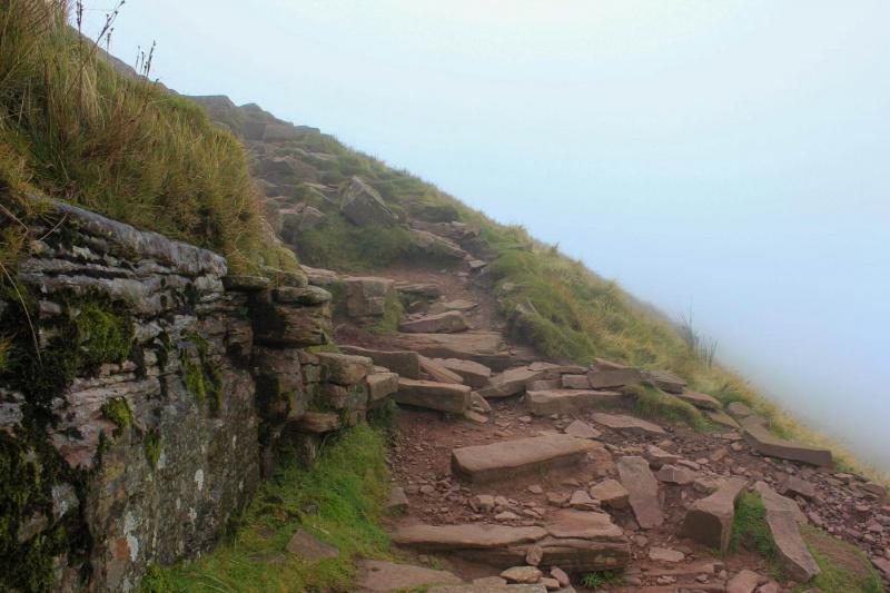 final-walk-up-to-corn-du-peak-mountain