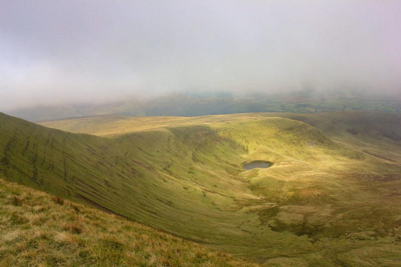 glacial-lake-Llyn-Cwm-Llwch-pen-y-fan