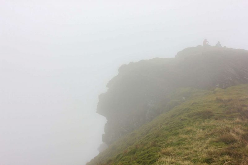 human-face-like-mountain-peak-corn-du-brecon-beacons-2