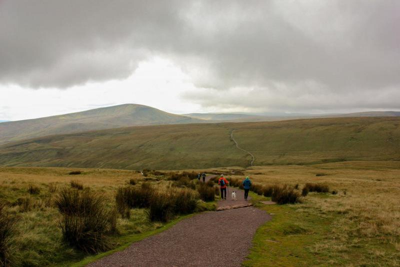 long-winding-route-climbing-corn-du-and-pen-y-fan-mountain-2