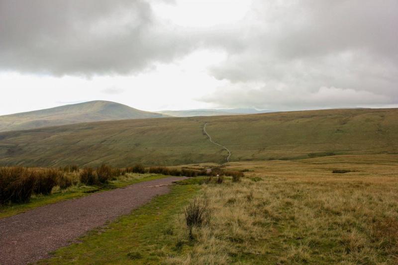 long-winding-route-climbing-corn-du-and-pen-y-fan-mountain