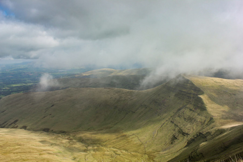 view-of-brecon-beacons-from-pen-y-fan-mountain-2