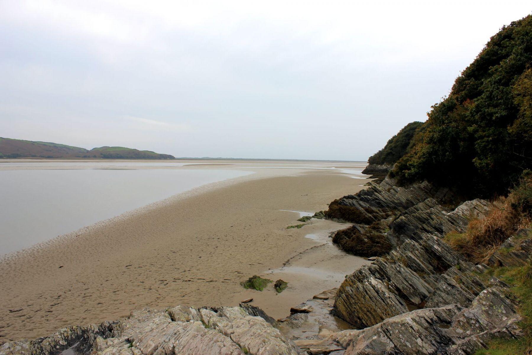 portmeirion-estuary-path