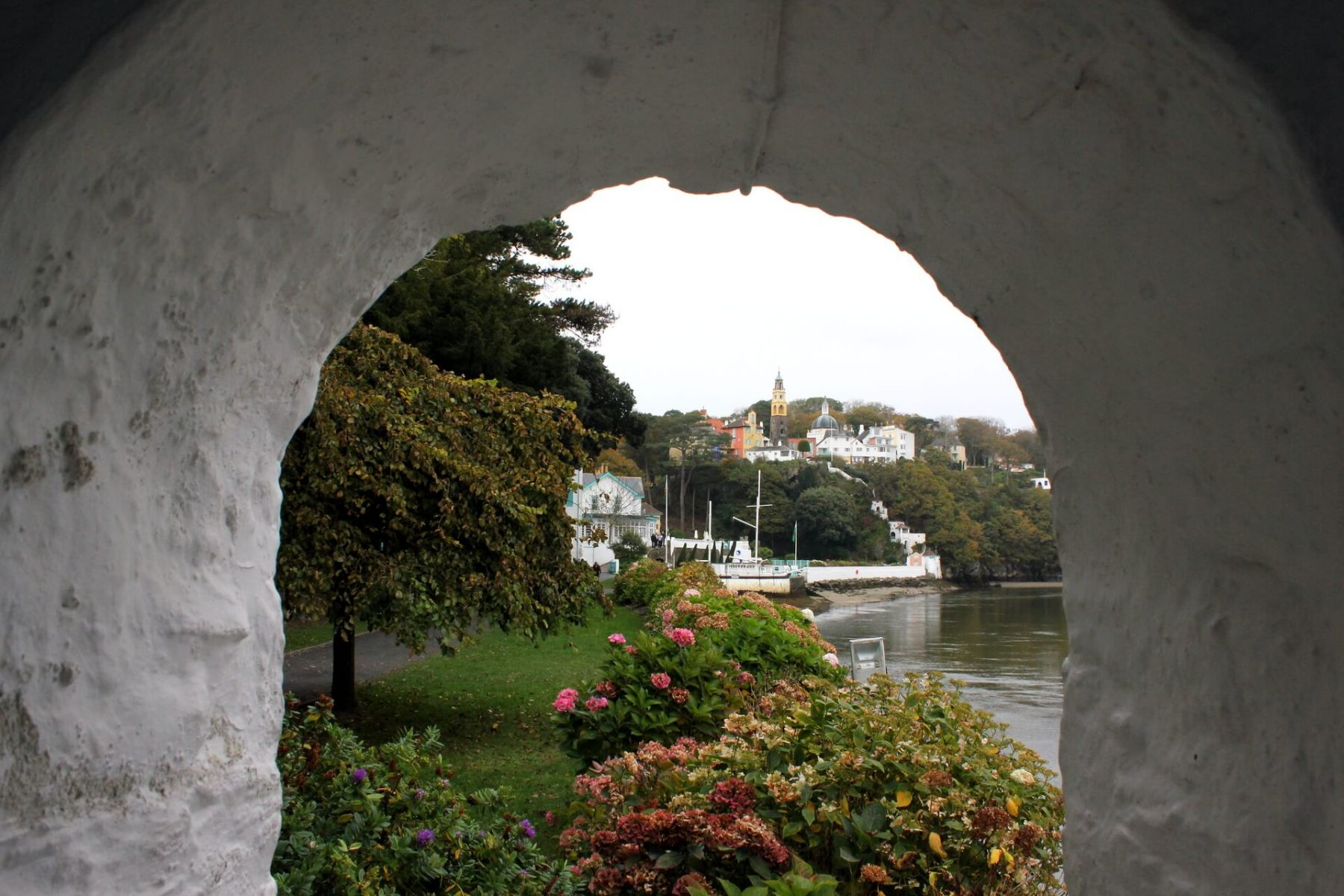 portmeirion-observatory-tower-view-of-eastuary