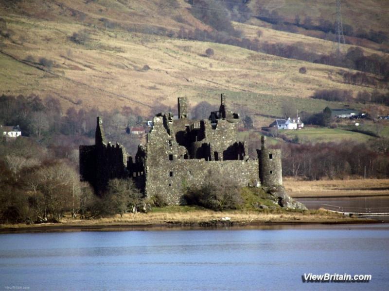 Kilchurn-Castle-Loch-Awe-Scotland
