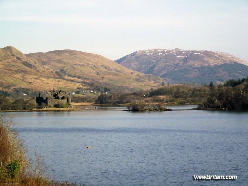 Kilchurn-Castle-on-Loch-Awe-Scotland