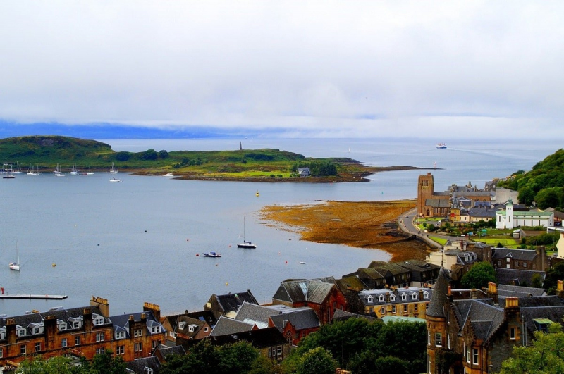 Oban-bay-and-view-of-oban-town