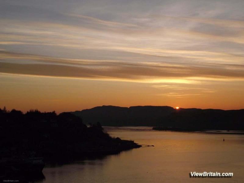 Oban-just-before-sunset-across-Oban-bay