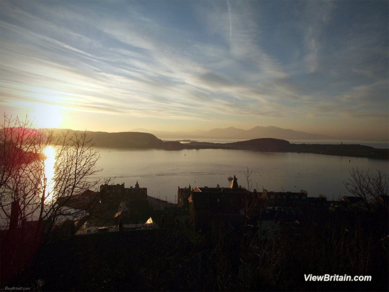 View-across-Oban-Bay-at-sunset-Scotland