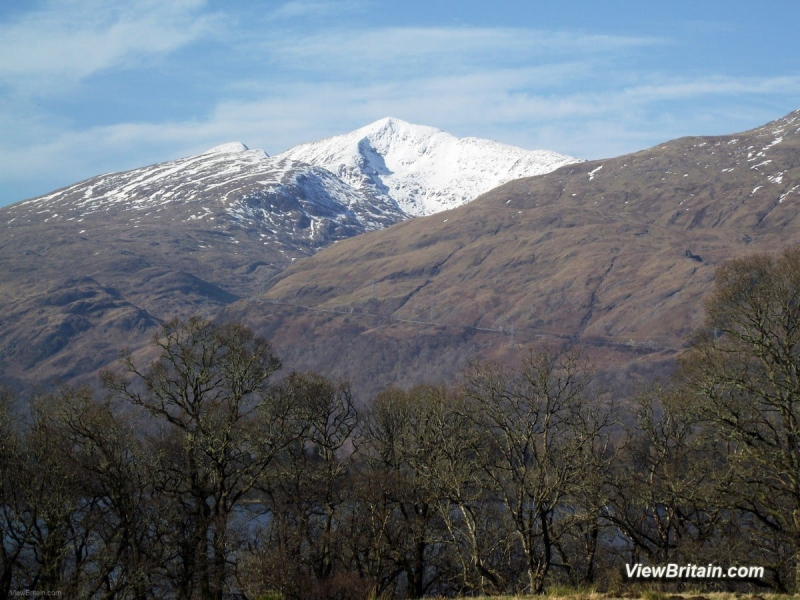 Views-of-the-mountains-in-the-Scenic-drive-to-Oban-Scotland