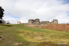1_Beeston-Castle-picture-from-outside