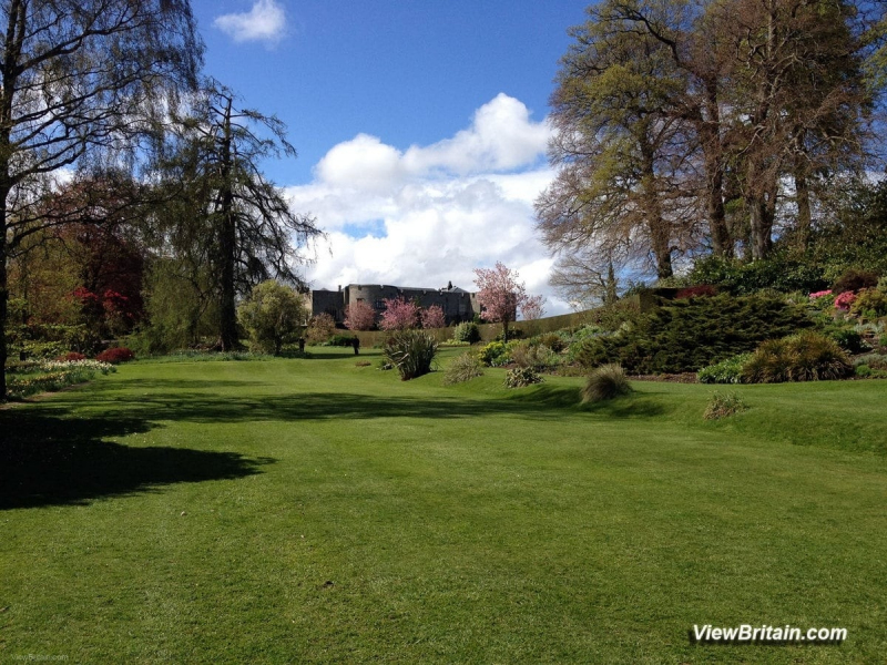 Chirk-Castle-view-and-Formal-Gardens-Wales
