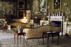 Gentlemens-after-dinner-lounge-at-Chirk-Castle-Wales