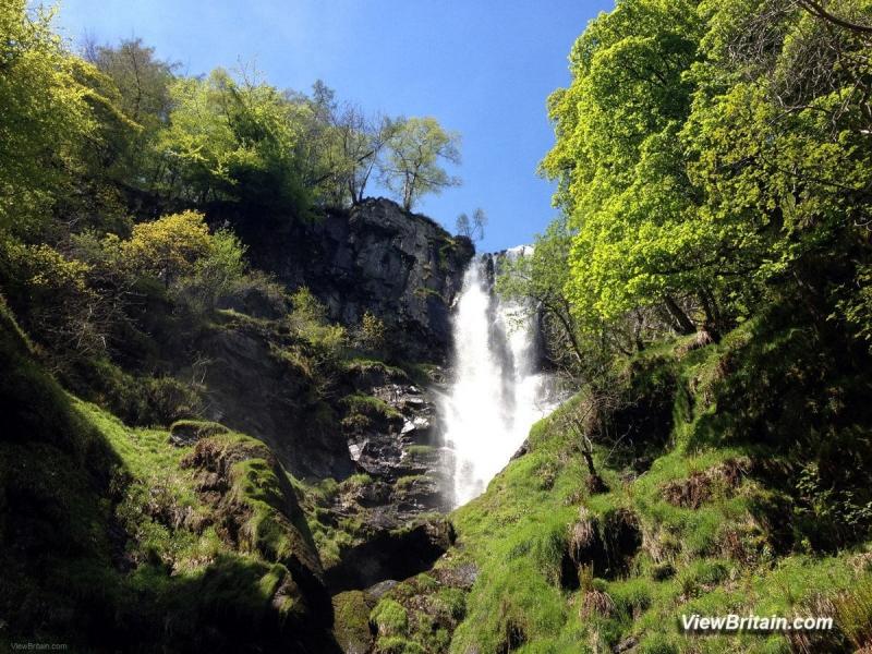 Pistyll-Rhaeadr-Waterfall-upclose-Powys-Wales