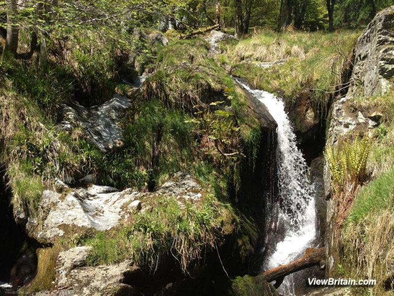 Streams-feeding-into-Pistyll-Rhaeadr-Waterfall-Wales