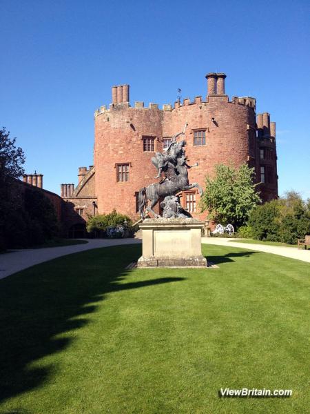 Magnificent-Sculpture-in-Powis-Castle