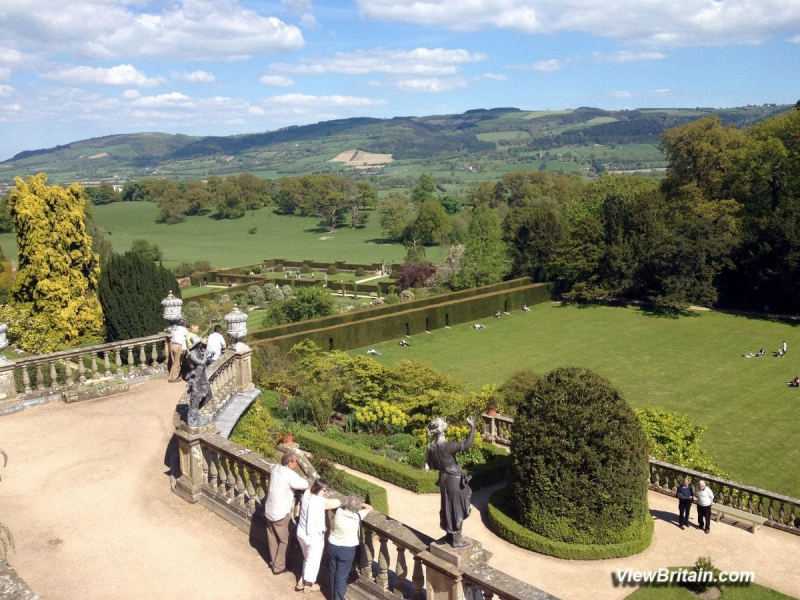 Powis-Castle-overlooking-magnificent-gardens-on-a-sunny-day