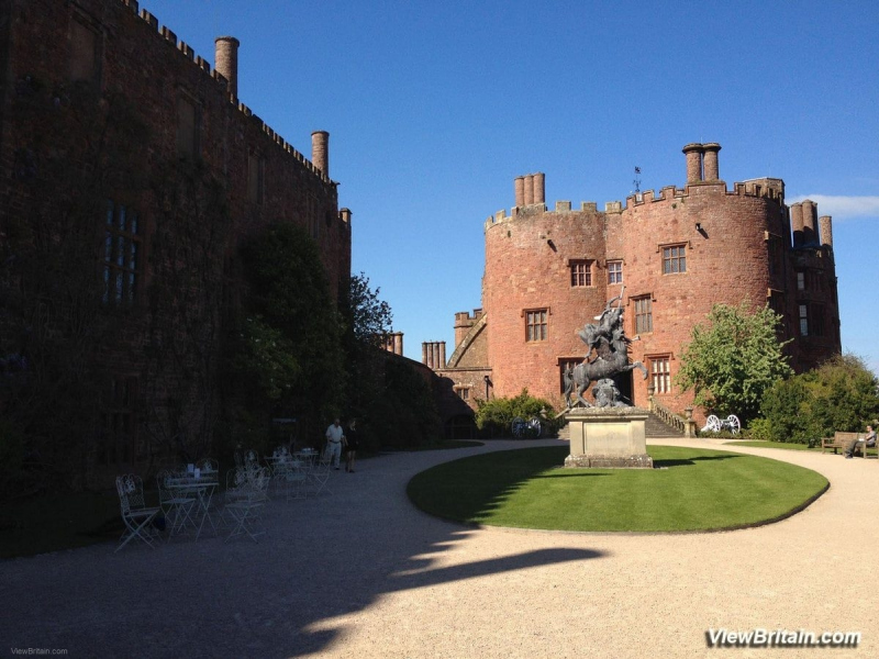 inside-the-courtyard-at-powis-castle
