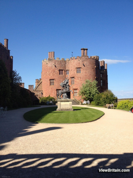 powis-castle-inside-the-court-yard-and-sculpture