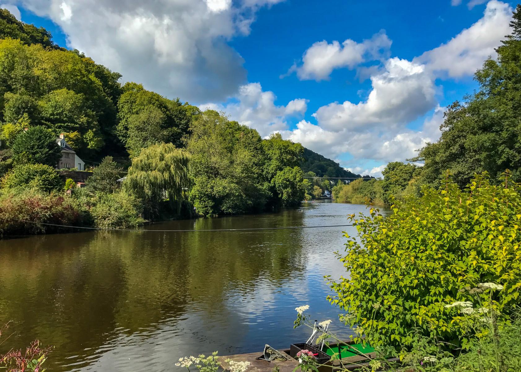 Wye-Valley-river-side-walk-view