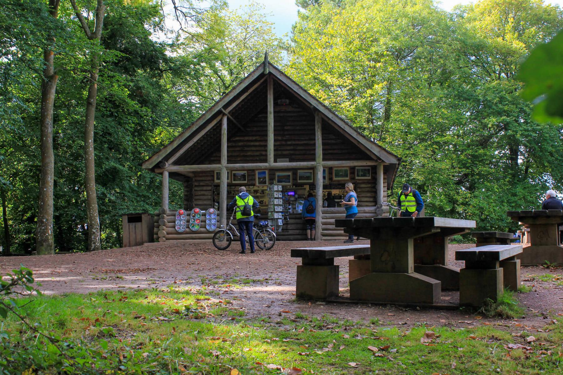 log-cabin-at-yat-rock-visitor-centre