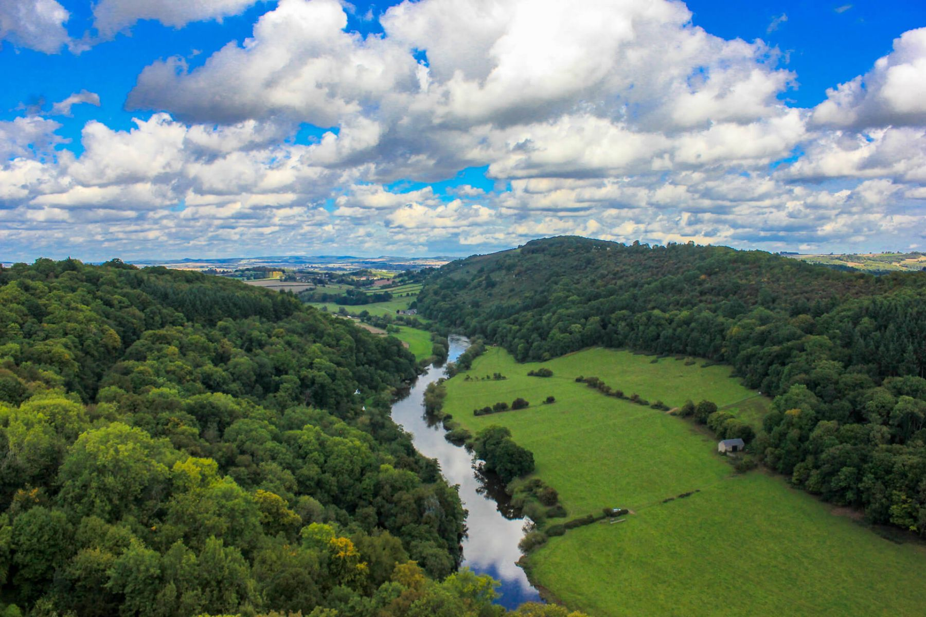 river-wye-on-a-sunny-day