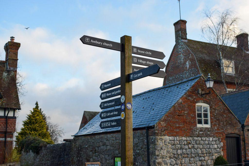 Avebury-village-signpost