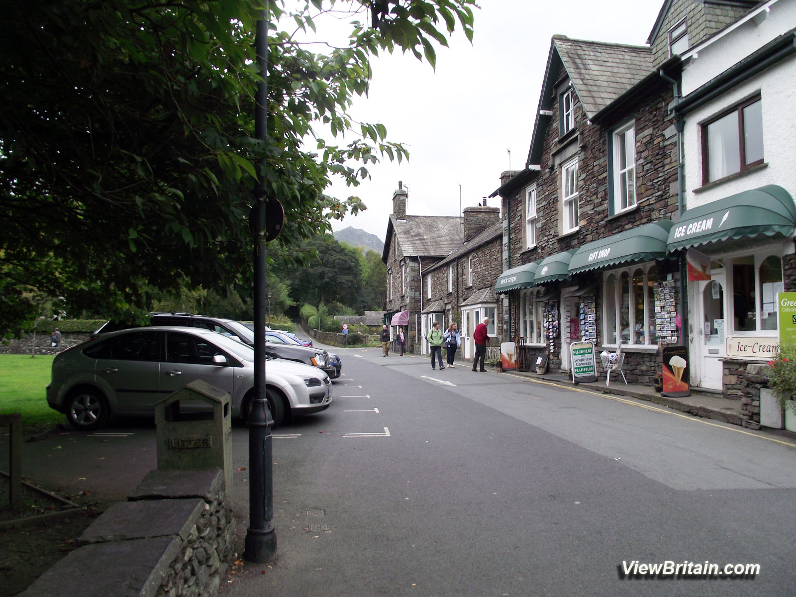 Read more about the article How to get to Grasmere by Train, Bus or Car, Postcode for Grasmere and maps