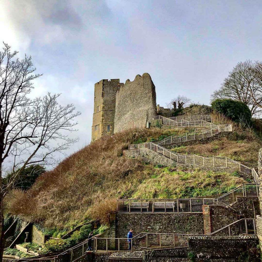 Lewes-castle-walk-way-up