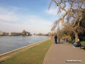 Kingston – Riverside walk, boat rides, ancient market place and things to do