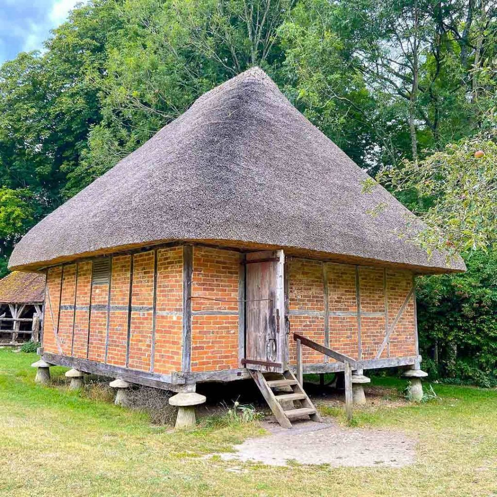 Weald-and-downland-living-museum-thatched-cottage