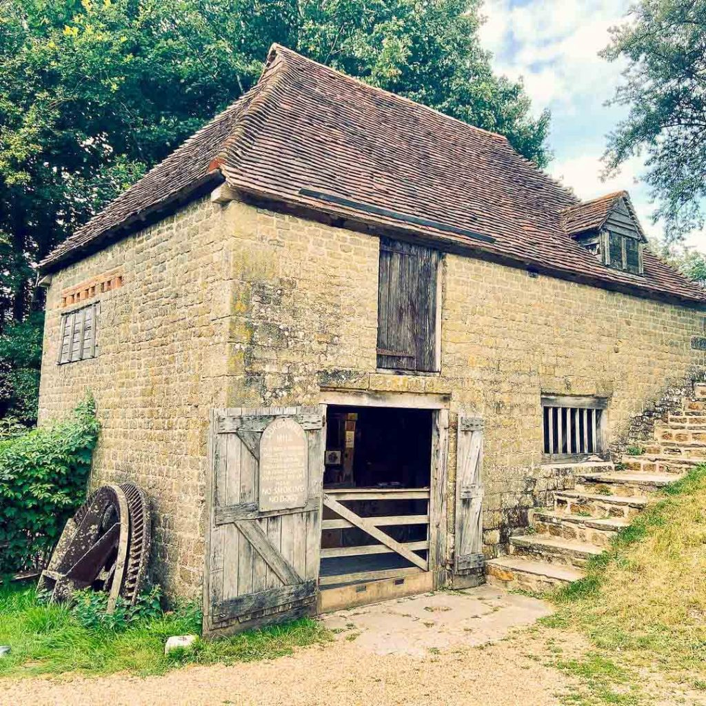 Weald-and-downland-living-museum-old-cottage
