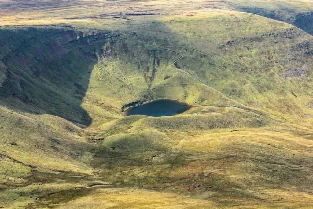 glacial-lake-Llyn-Cwm-Llwch-pen-y-fan-that-has-interesting-legends