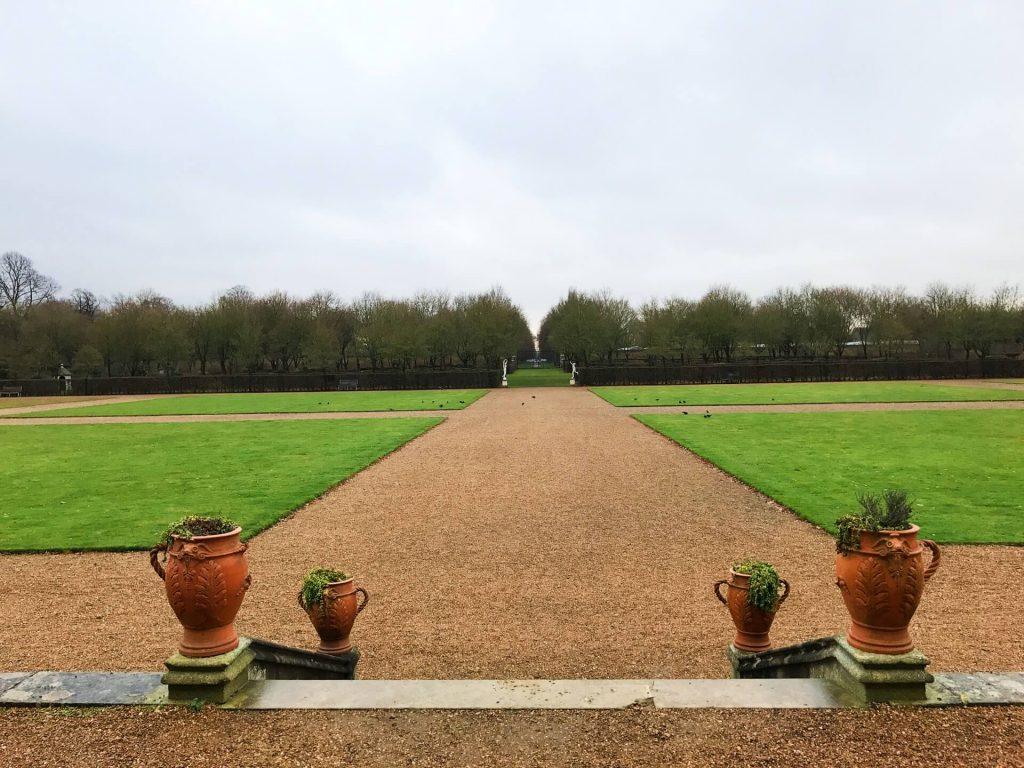 ham-house-formal-gardens-paths