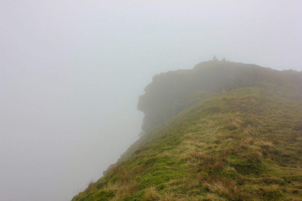 human-face-like-mountain-peak-corn-du-brecon-beacons