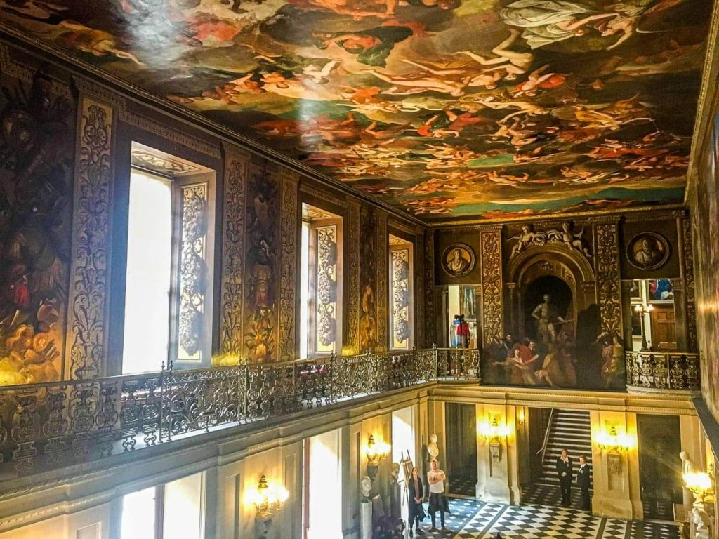 inside-chatsworth-house-paintings