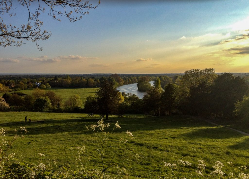 panoramic-views-of-river-thames-before-sunset-richmond-london