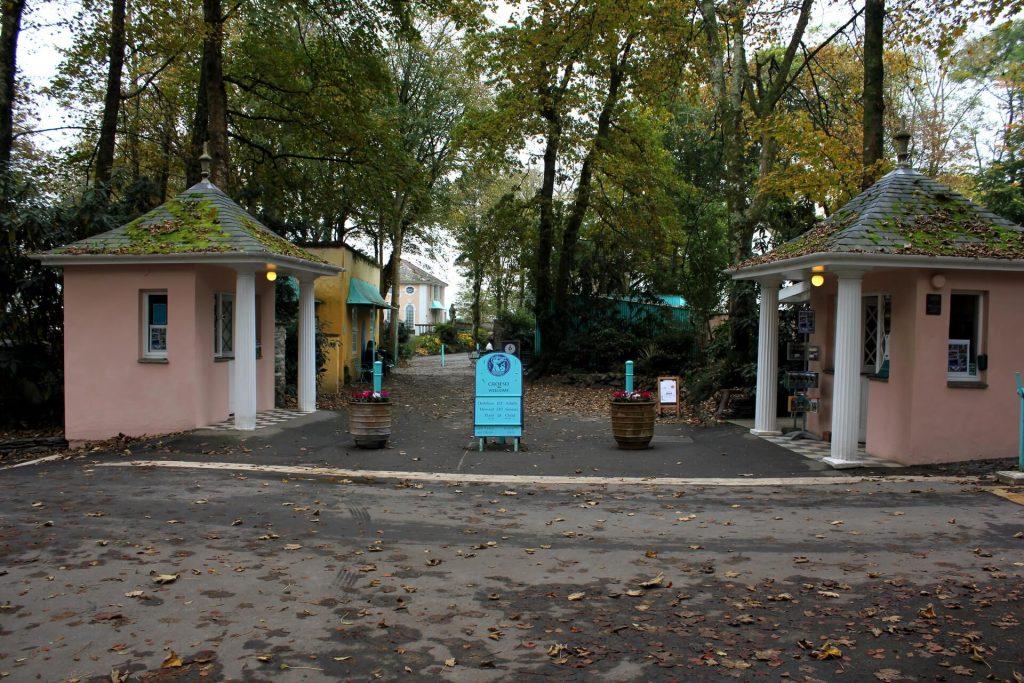 portmeirion-entrance