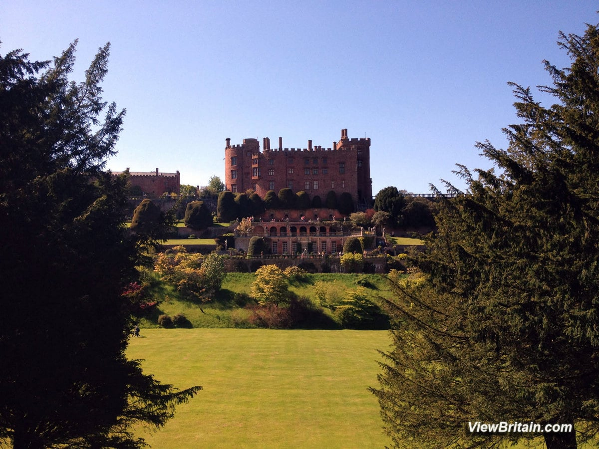 Read more about the article Powis Castle – Medieval Castle in Wales – Tourist Information, Attractions and Pictures