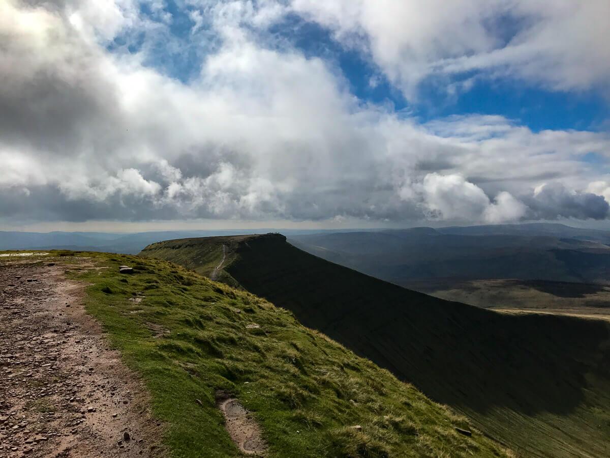 A Guide to Climbing Corn DU and Pen y Fan Mountains